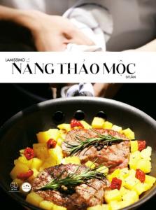sach lamissimo nang thao moc 223x300 - 7 quyển sách dạy nấu món Âu hay đầy hấp dẫn và tinh tế